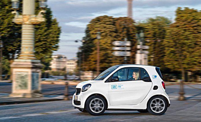 """""""Rozbioru"""" Paryża ciąg dalszy. Car2Go wraca do Francji."""