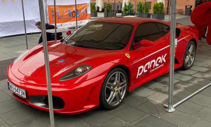 Read more about the article I to jest prawdziwy Extreme!<br>Ferrari w Panek CarSharing.